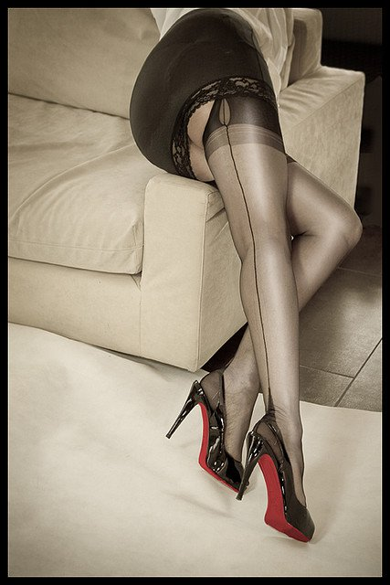 sheer blacl stockings